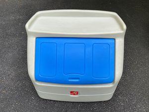 Step2 Toy Box w/Shelf for Sale in Waynesboro, VA