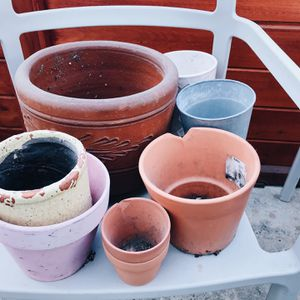 Free Planting pots for Sale in Long Beach, CA