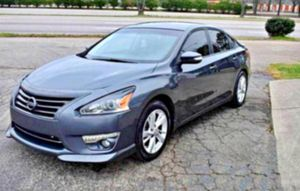 6 CD changer 2013__ALTIMA_2.5 SL for Sale in Charlottesville, VA