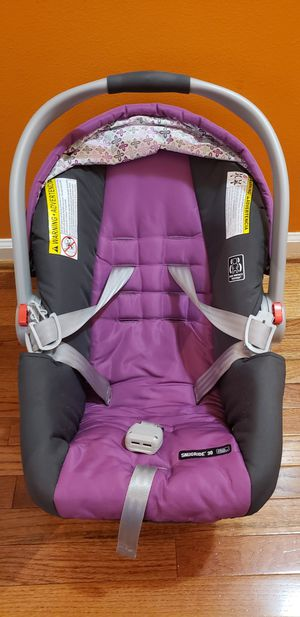 Graco Click Connect 30 for Sale in Martinsburg, WV