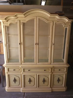 Antique China cabinet/hutch solid...Nice!! for Sale in Las Vegas, NV