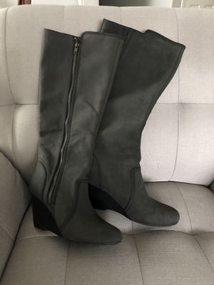 Women boots for Sale in Vancouver, WA