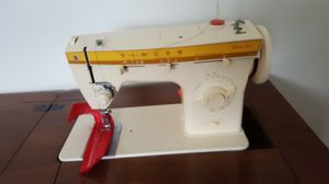 Singer Sewing machine for Sale in Aliquippa, PA