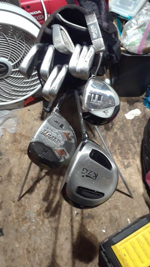 Golf clubs with dunlop bag for Sale in Seattle, WA