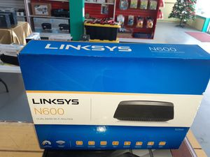 LINKSYS DUAL BANDS ROUTER COMPLETE for Sale in Kennedale, TX