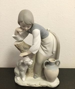 Vintage Lladro Very Rare Girl With A Dog, Figurine for Sale in Brooklyn, NY