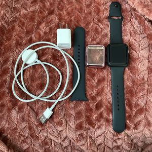 Apple Watch 3 -Great Condition for Sale in Atlanta, GA