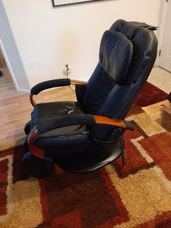 HTT-10-CRP Robotic Massage Chair Black Reclining Chair for Sale in Portland,  OR