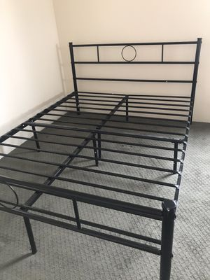 Bed frame for Sale in Los Ranchos de Albuquerque, NM