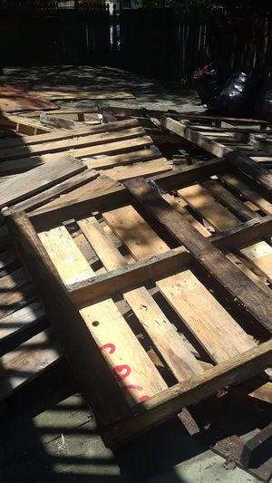 WOOD AND PALLETS MUST GO!! for Sale in Herndon, VA