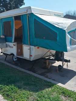 LIGHTWEIGHT CLEAN 97 COACHMEN CLIPPER POP UP TENT TRAILER for Sale in Los Angeles,  CA