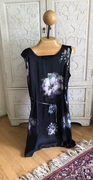 New Vera Wang Floral dress, sz XL for Sale in Silver Spring, MD