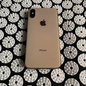 Apple iPhone XS 64 gb Gold like new (not max) for Sale in Auburn, WA