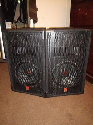 "Rockville RSG12 12"" 3-Way 1000 Watt 8-Ohm Passive DJ/ Pro Audio PA Speakers for Sale in Garden Grove, CA"