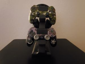 Controller/ Headphone holder for gaming for Sale in Rialto, CA
