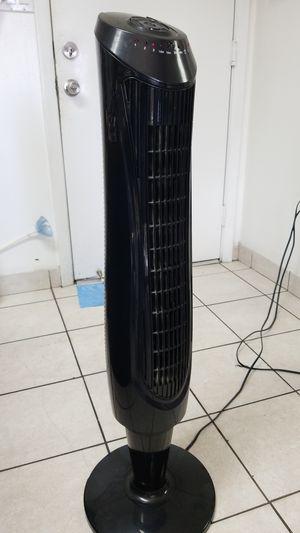 Ventilador de torre oscilante ,Tower Fan. for Sale in Miami, FL