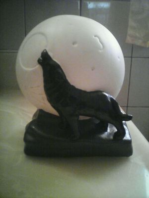 Halloween howling wolf light globe for Sale in Huntington Park, CA