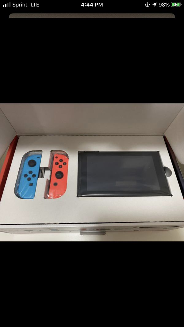 Nintendo Switch ( Brand New ) Comes with 2 games