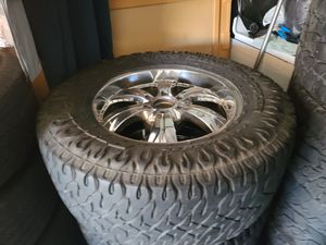 "Wheels and tires lt 325/60r20 "" 6 lug Silverado Tahoe Yukon suburban avalanche gmc 6x5,5 or 6x139,7 for Sale in Riverside, CA"