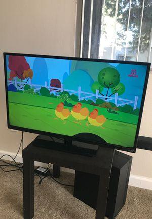 Vizio E320fi-B2 TV 32 inch for Sale in Santa Ana, CA