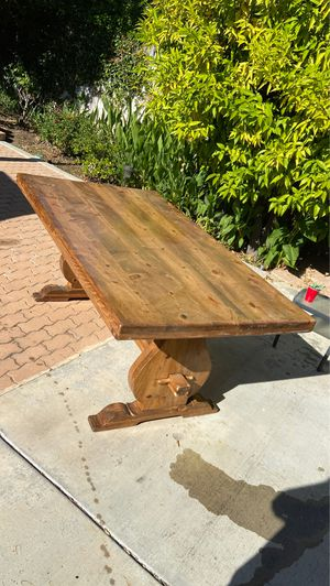 "72"" solid wood dining room table for Sale in Santa Ana, CA"