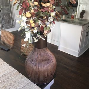 Vase With Flowers for Sale in Brookhaven, GA