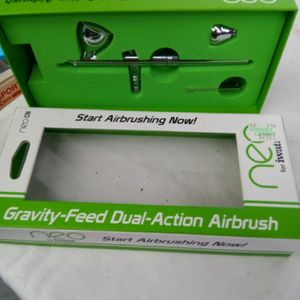 Neo iwata airbrushing gravity feed dual airbrush for Sale in Houston, TX