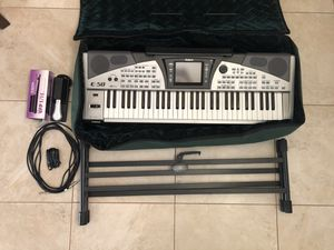 Roland E-50 Keyboard Piano (includes sustain pedal and stand) for Sale in Pembroke Pines, FL