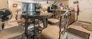 High end breakfast nook table with 4 high top chairs for Sale in New Port Richey, FL