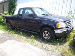 2001 Ford F150 King Cab 4x4 long bed tow package for Sale in Falls Church, VA