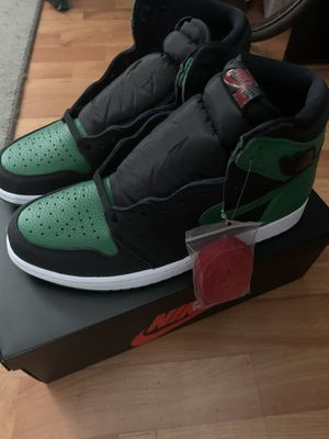 Jordan 1 retro high pine green 2.0 size 10.5 for Sale in Lowell, MA