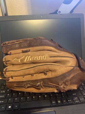 Mizuno Baseball Mitt for Sale in Glendale, AZ