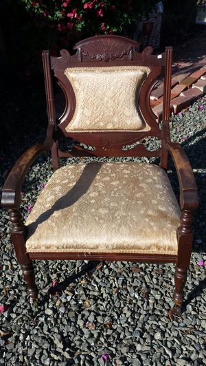 Antique chair for Sale in Richmond, CA