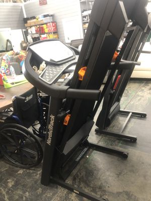 NordicTrack $520 C 590 Pro Treadmill for Sale in Los Angeles, CA