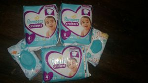 Pampers sz 4/ wipes for Sale in Little Rock, AR