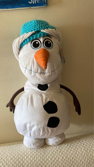 Olaf pillow and Elsa knitted hat for Sale in North Brunswick Township, NJ