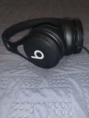Beats by Dre Headphones for Sale in LEWIS MCCHORD, WA