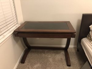 Personal desk for Sale in Carlsbad, CA