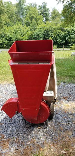 Wood chipper/ shredder for Sale in Dillwyn, VA