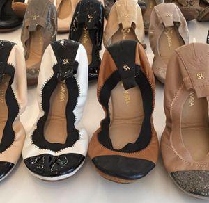Yosisamra Flats Size 6 for Sale in Glendale, AZ