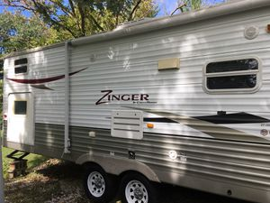 2010 Crossroads Zinger Travel Trailer for Sale in Fort Ritner, IN