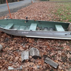 12 Foot Aluminum Boat, Clean Title Possible Trailer. for Sale in Lake Oswego, OR