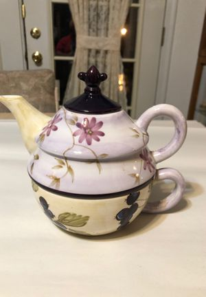 Zrike Tracy Porter Design Teapot Combination Preowned from an Estate for Sale in Berlin, NJ