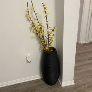 Vase for Sale in West Hollywood, CA