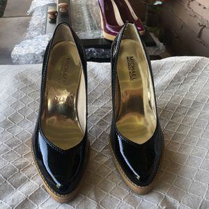 Michael Kors Black Patent Leather Wood Heels 6.5 for Sale in Paradise Valley, AZ