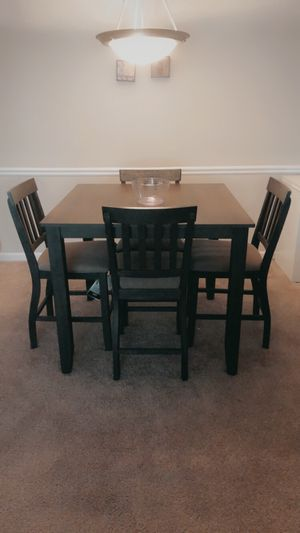Dining room table for Sale in Lilburn, GA