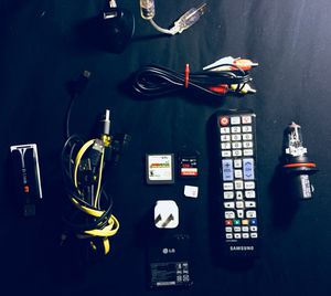 Miscellaneous Electronics Bundle for Sale in St. Louis, MO