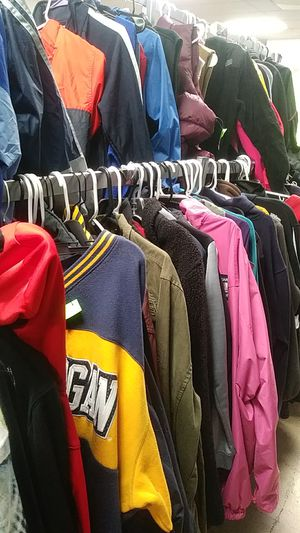 Men Jackets , Hoodies, Sweaters, Puffer Jackets - Zera Outlets 5303 E Colonial Dr suite g, Orlando, FL 32807 for Sale in Orlando, FL