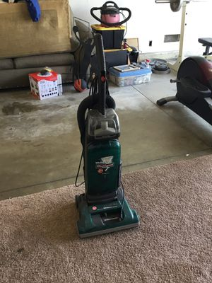 Hoover Windtunnel Wide Path Vacuum for Sale in Phillips Ranch, CA