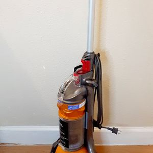 DYSON DC24 BALL VACUUM CLEANER for Sale in Houston, TX